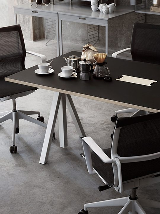 String Works desk 180cm
