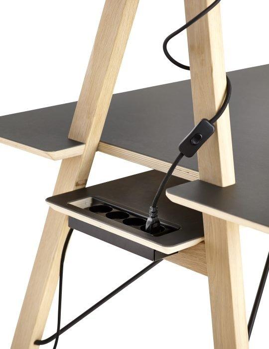 Woud AA desk 5