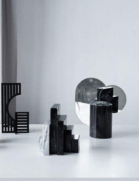 Double moon sculpture black