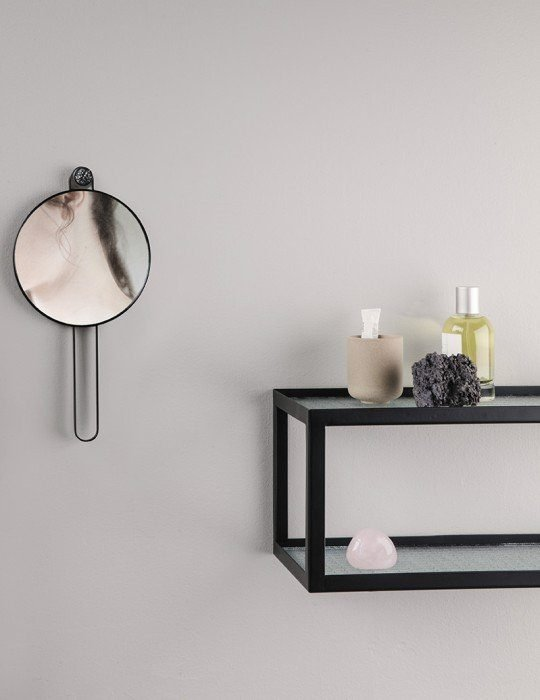 Poise hand mirror brass