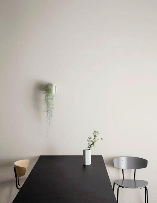 Ferm Living Plantholder light grey