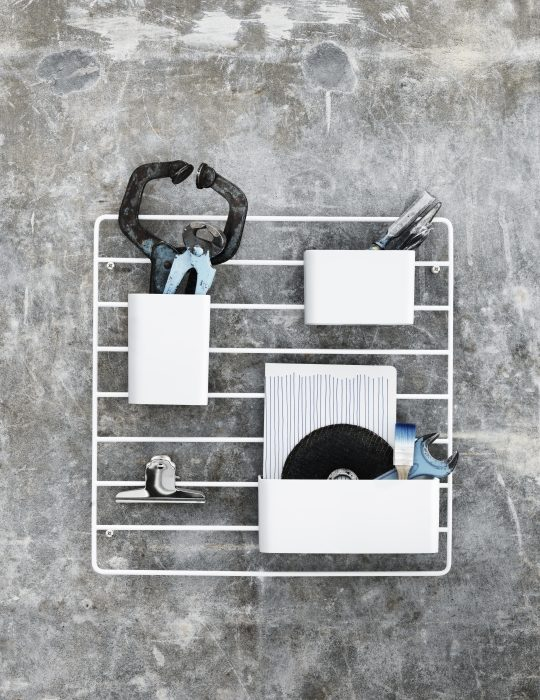 String Grid for wall with organizers white