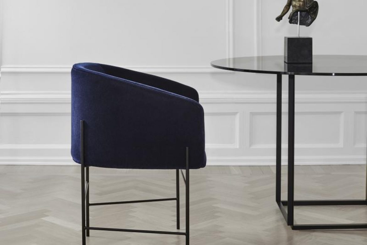 Design eetkamerstoelen in de showroom bij silverview in rotterdam